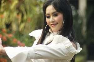 Penyanyi Sinden Jawa Yanti Wijaya Kusuma Sukses Luncurkan Album Terbaru Miliknya
