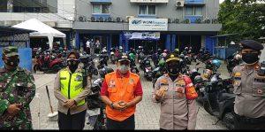 Kapolsek Bekasi Kota bersama Satgas Covid-19 Kota Bekasi lakukan Inspeksi ke WOM Finance