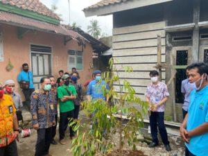 "Kolaborasi BCA dan BenihBaik.com Donasi Bibit Durian Melalui Program ""Satu Keluarga, Satu Pohon"""
