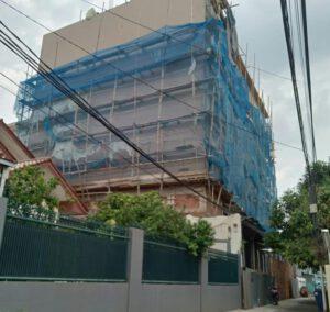 Bangunan Kantor Lima Lantai di Bali Mester Dibangun di Zona Perumahan