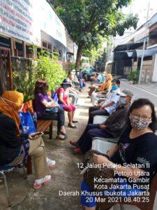 Lansia Kelurahan Petojo Utara Apresiasi Percepatan Vaksin Covid-19