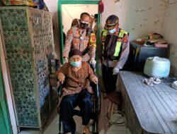 Sumbang Kursi Roda, AKBP Imron: Kita Wajib Tolong Menolong Dalam Kebaikan