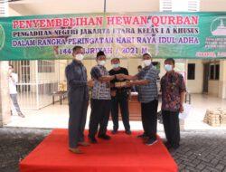 Rangkaian Peringatan Idul Adha 1422 H Keluarga Besar PN Jakarta Utara Serahkan Daging Qurban Sapi dan Kambing Ke Yatim Piatu