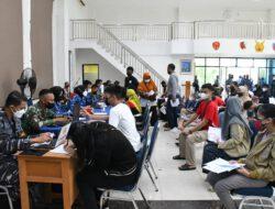 Lantamal XII Adakan Serbuan 1 Juta Vaksin Bersama Polri Di Lanud Supadio Dan Universitas Tanjung Pura