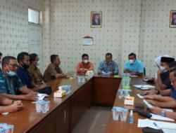 PT SISL hanya mengutus manager produksi mengikuti Rapat dengar pendapat dengan DPRD Pelalawan.