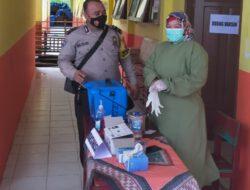 Kapolsek Rambah langsung monitoring pelaksanaan vaksinasi covid-19 terhadap guru,murid Pondok Pesantren Khalid Bin Walid dan keluarga IDI (Ikatan Dokter Indonesia Kab.Rohul).