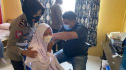 Satlantas Polres Aceh Timur Gelar Vaksinasi di SMA Idi
